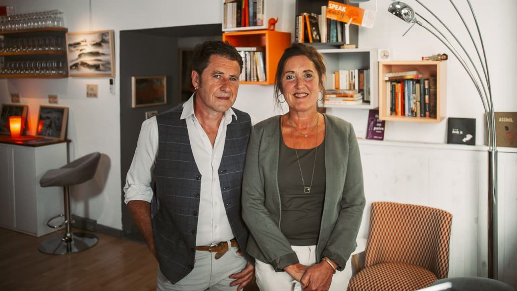 Photo de la dirigeante et formateurs du centre de formation Speakeasy dans les Alpes-de-Haute-Provence